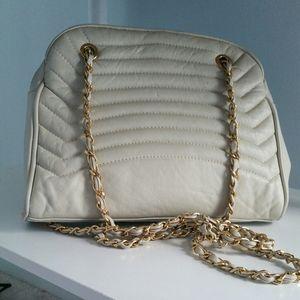 White quilted worthington handbag
